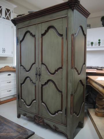 Armoire en pin atelier meuble rustique for Liquidation meuble de cuisine