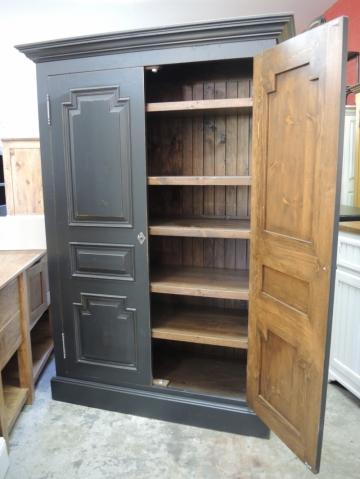 armoire noire atelier meuble rustique. Black Bedroom Furniture Sets. Home Design Ideas