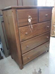 commode en pin massif  $ 700.00