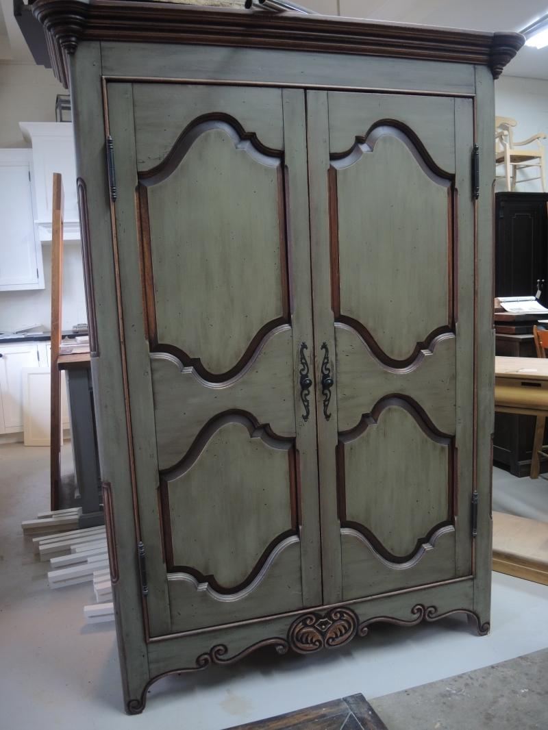 armoire en pin atelier meuble rustique. Black Bedroom Furniture Sets. Home Design Ideas