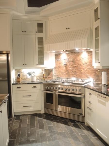 Armoire de cuisine contemporain atelier meuble rustique for Armoire cuisine liquidation