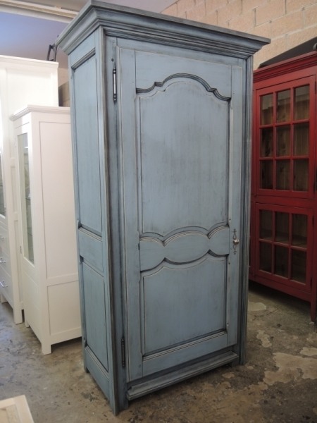 Bonneti re atelier meuble rustique for Liquidation meuble de cuisine