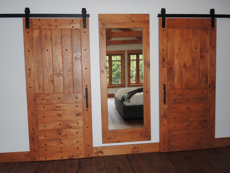 porte de grange en bois coullisante atelier meuble rustique. Black Bedroom Furniture Sets. Home Design Ideas