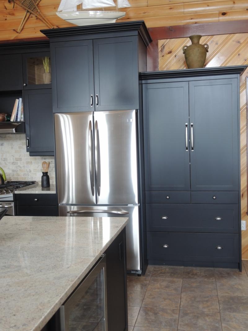 Armoire de cuisine atelier meuble rustique for Meuble armoire cuisine