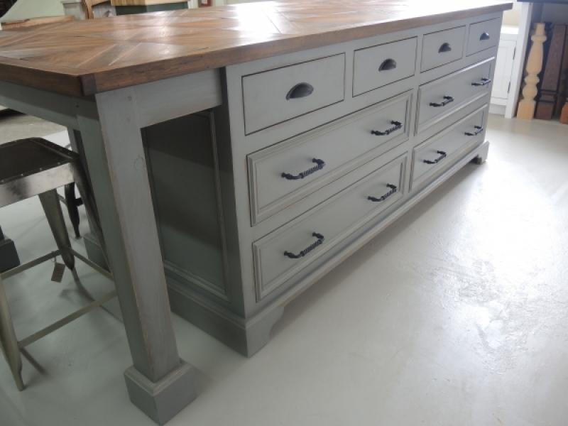 Cuisine contemporain atelier meuble rustique for Atelier du meuble contemporain