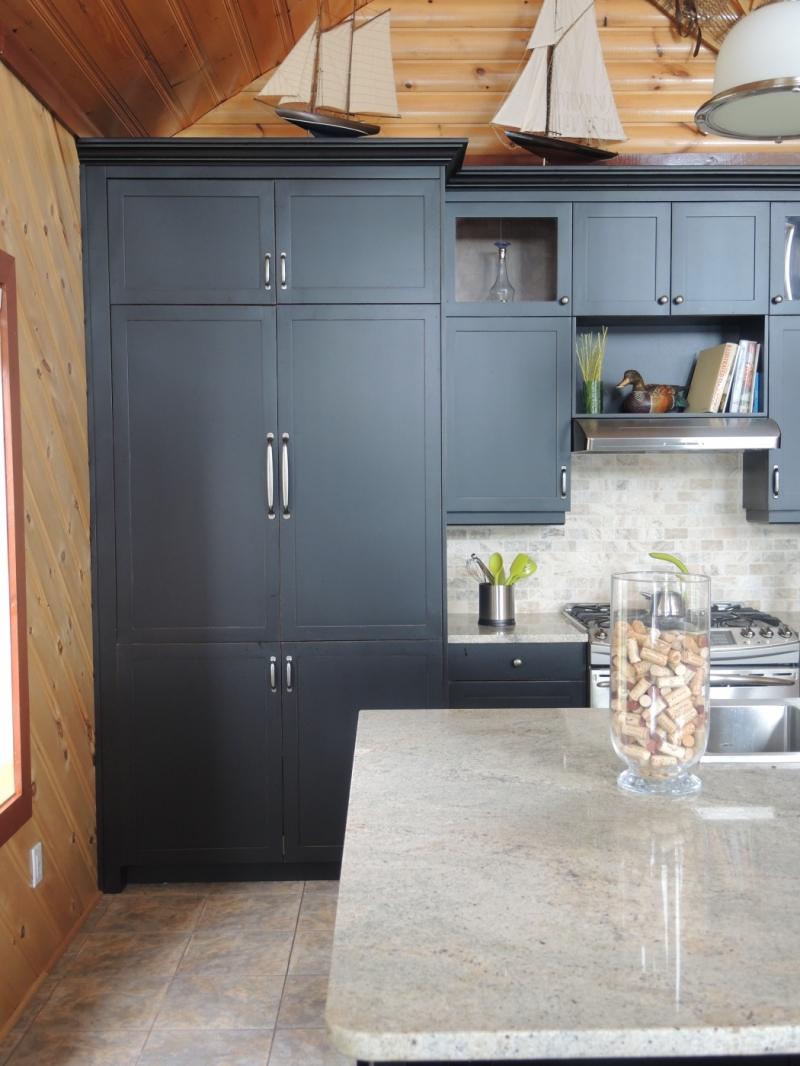 Armoire de cuisine atelier meuble rustique for Meuble armoire de cuisine
