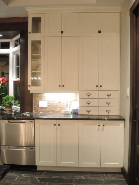 armoire de cuisine contemporain atelier meuble rustique. Black Bedroom Furniture Sets. Home Design Ideas